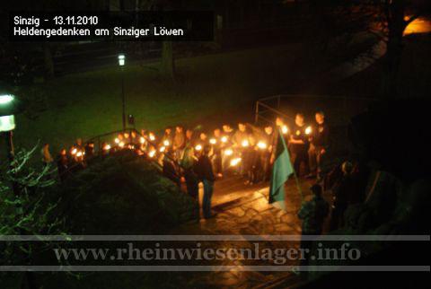 13. November - Spontanes Heldengedenken am Sinziger Löwen